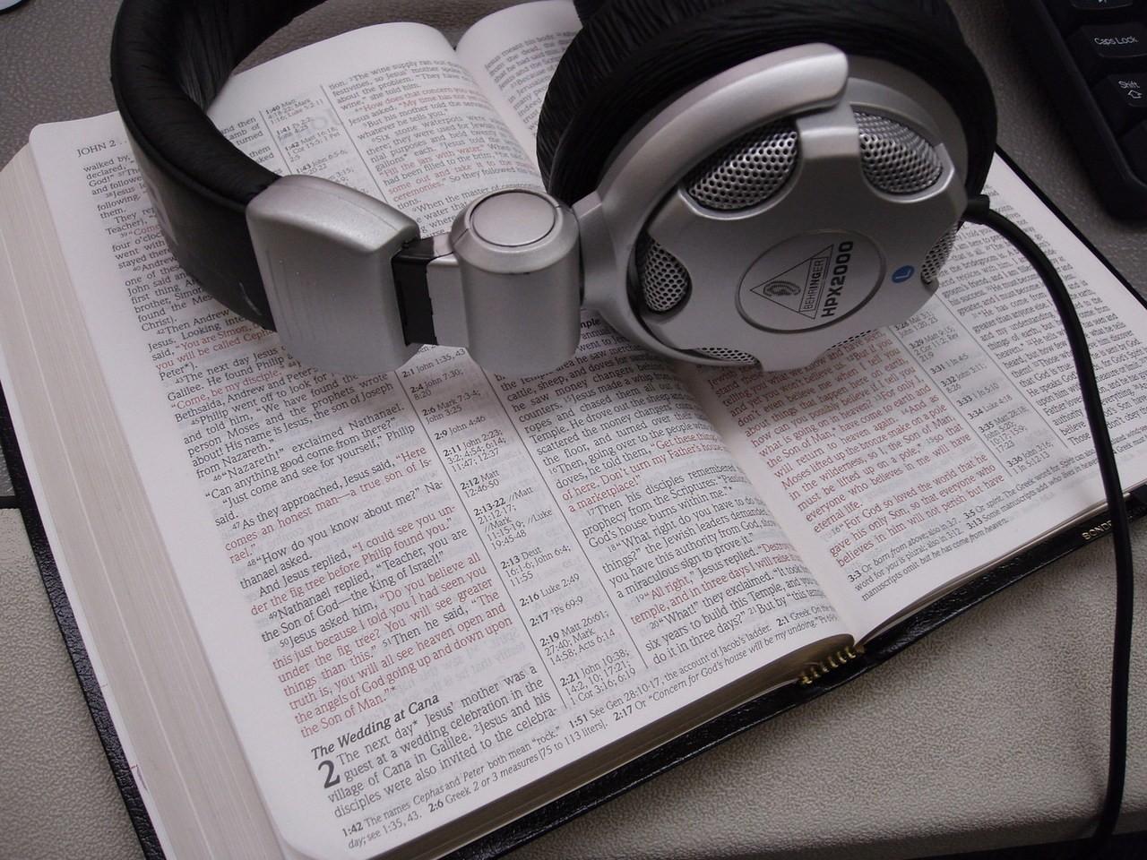 Słuchawki PX7 do pracy – Recepta na hałas w domu