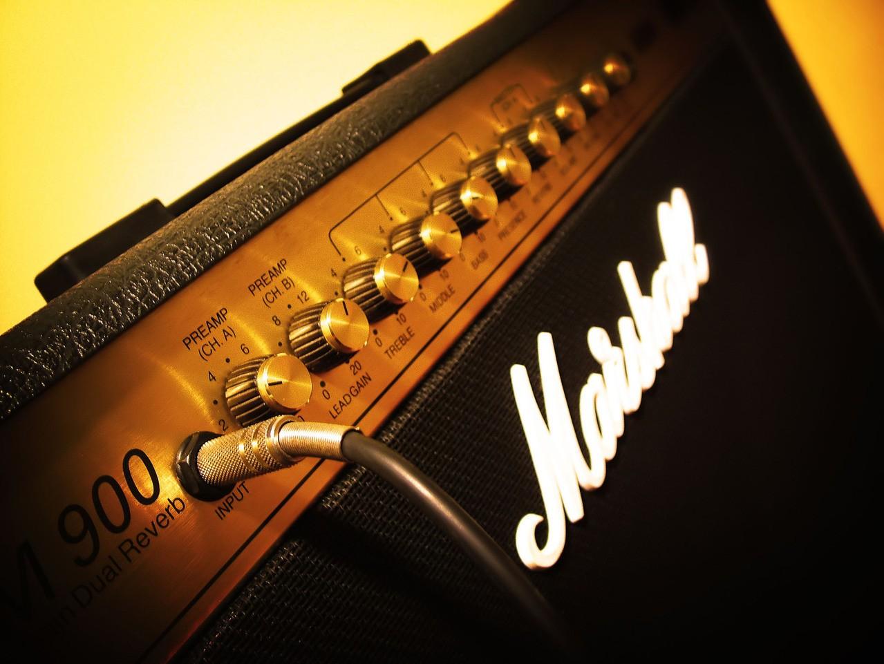 Wzmacniacz stereo do 2000 – Jaki wybrać?